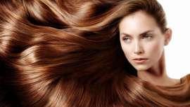 Cuando aplicamos colágeno al cabello, éste se nutre de proteínas llegando los nutrientes al folículo capilar, fortaleciéndolo y mejorando su apariencia