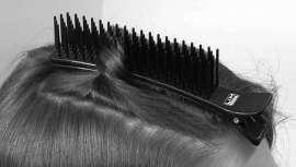 El clip secciona una parte del cabello y sus púas nos permiten aguantar con firmeza otras secciones del cabello inferior sin dañar el peinado, sin marcas