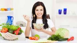 El propósito, a la hora de ingerir nutrientes, es el de equilibrar las hormonas femeninas y prevenir las molestias de este periodo, en opinión de Paula Rosso, nutricionista de la clínica del doctor Lajo Plaza
