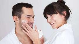 El Departamento de Consumo de Nueva York (DCA) llevó a cabo una investigación que determinó que las versiones femeninas de los productos de cuidado personal son más caras que las masculinas