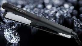 Oniric Style presenta su herramienta de peinado más novedosa. Dispone de largas placas flotantes con partículas de nanodiamantes + minerales (rutilo, cuarzo y corindón), pensadas para un deslizamiento extra suave y menos fricción para el pelo