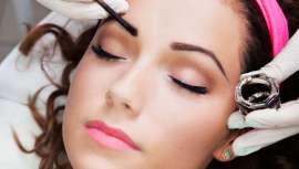 La British Association of Beauty Theraphy & Cosmetology (Babtac) entrevistó a 1.763 mujeres de más de 18 regiones diferentes del Reino Unido para este estudio. El 81% de las encuestadas admitió que el mantenimiento de las cejas era crucial para ellas