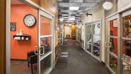Sola Salon Studios, una de las principales franquicias de los Estados Unidos, inaugurará estas jornadas el próximo 8 de febrero en el Curtis Hotel en Denver, Colorado
