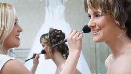 Carmen Navarro propone que las novias brillen y luzcan una mirada reluciente en este día tan especial