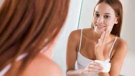 Utilizadas en cosmética para mejorar la piel y el cabello, las siliconas proporcionan una sensación agradable en los productos. Si bien suelen ser baratas, de recompensa inmediata, a medio y largo plazo son altamente nocivas