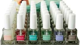 Este sistema orgánico proporciona protección natural a las uñas y les da un acabado de aspecto joven y fuerte