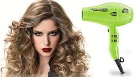 El nuevo secador de Parlux, con Tecnología Ionic & ceramic, un diseño ergonómico y un nuevo motor más potente, preserva la humedad natural del cabello, dejándolo más brillante, suave y más sano