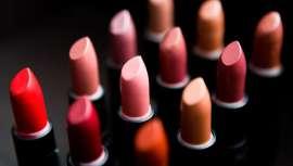 Durante el 2015, las ventas de los productos cosméticos, de aseo y belleza en el Perú creció tan solo un 1% global. Si bien la cifra no es alentadora, hay ciertas categorías de productos que indican lo contrario, como son los labiales