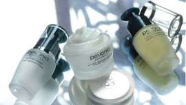 La marca trata desde las primeras arrugas hasta las más maduras y profundas en todo tipo de pieles, tanto a nivel facial y corporal, y con líneas tanto profesionales como de venta al público
