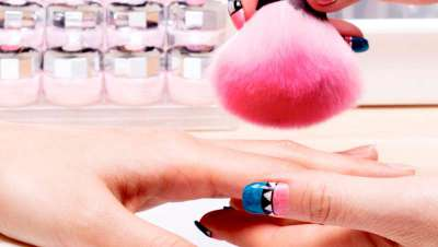 Barcelona Beauty School presenta su m�ster en u�as