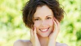 Los especialistas en cirugía oculoplástica y estética facial del centro han lanzado una serie de consejos para mantener sanas y con buen aspecto las pieles más pálidas y delicadas