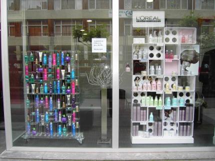 Foros peluqueria letras en el escaparate - Como hacer un escaparate ...