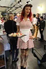 fiesta 'rockabilly' en La Barberia de Gràcia