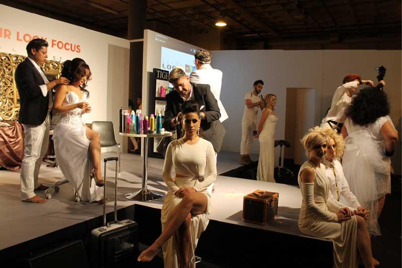 Rodrigo Posada llena el Hair Look Focus con su espectáculo Raza y Pureza, en Salón Look