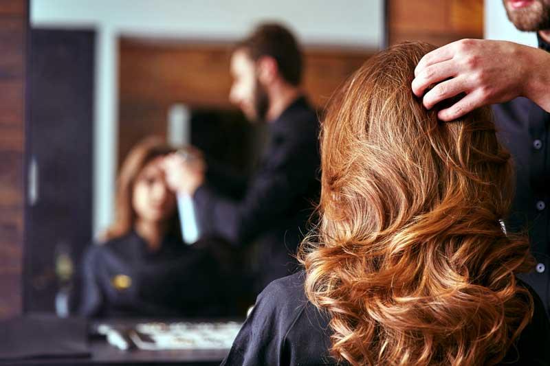 La academia Barcelona Beauty School organiza cursos impartidos por siete peluqueros que darán a conocer sus métodos de trabajo