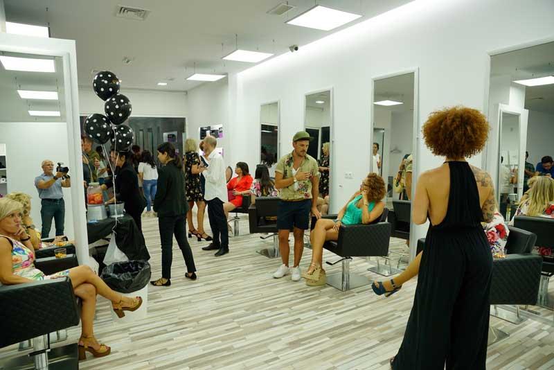 Rafael Bueno inaugura nuevo y espectacular salón en Málaga