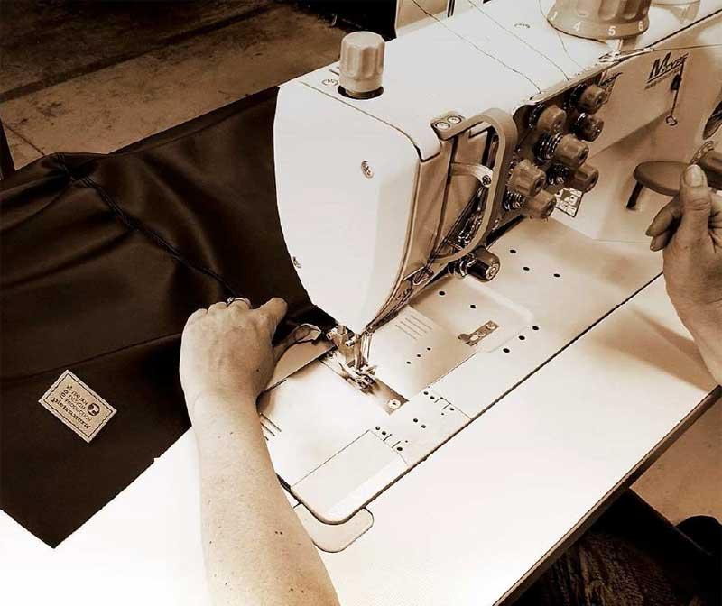 Pietranera fabrica de manera artesanal todo su mobiliario. Cada pieza es especial, única y cuidada en sus detalles