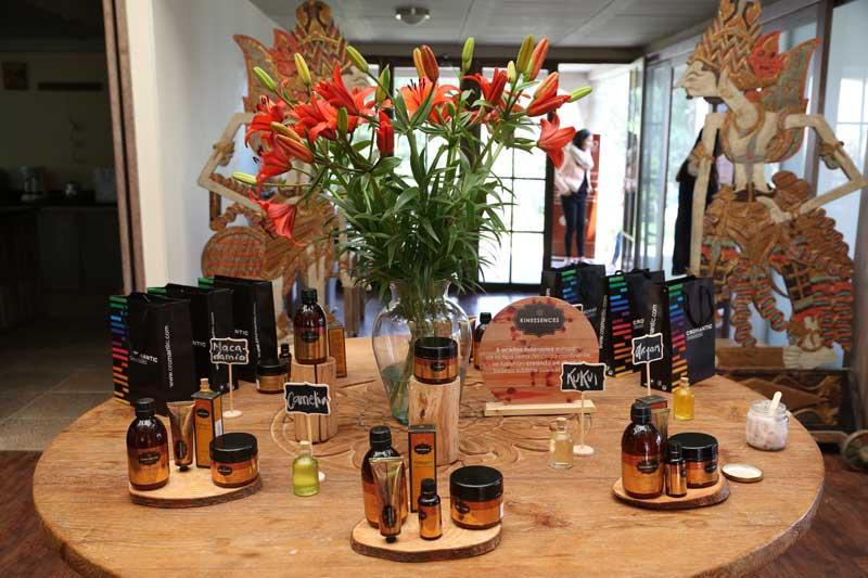 Kin Cosmetics presenta su nueva línea Kinessences en Colombia
