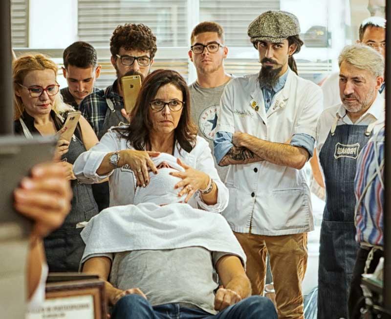 Se celebra el primer curso de afeitado Old Style en España