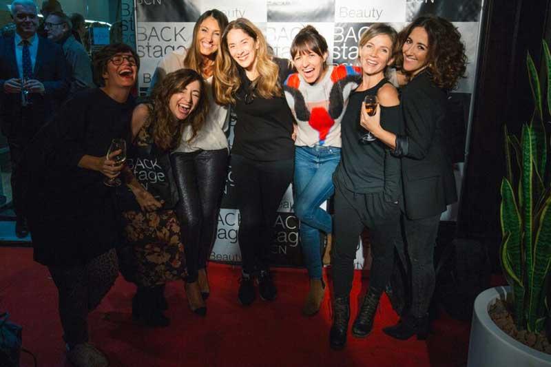El salón Backstage BCN de la calle Valencia cumple años por todo lo alto