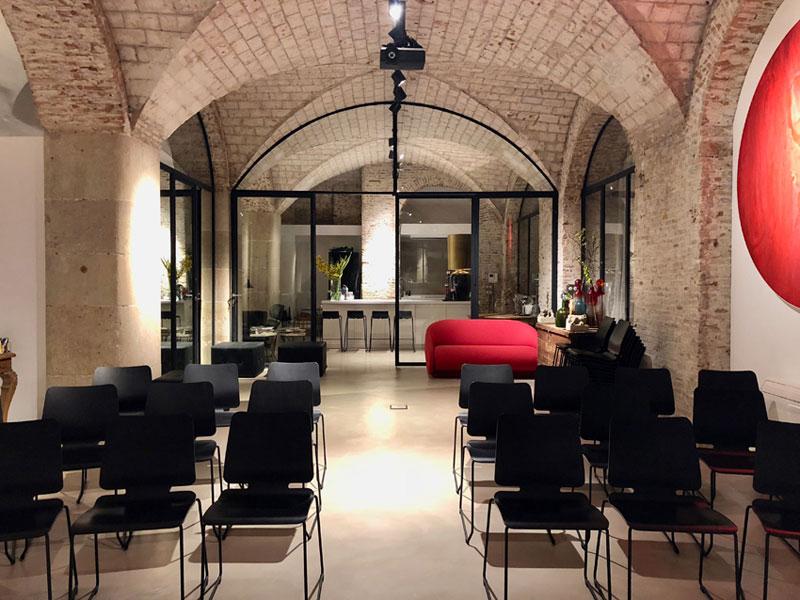 Studio Beauty Market - Mesa redonda sobre nuevas tendencias en barbería
