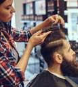O cabeleireiro francês perde mão-de-obra