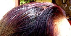 cabello teñido con henna natural