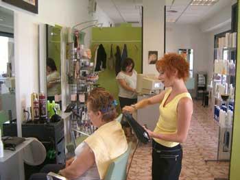 Eny peluqueros directorio de empresas for Peluqueria y salon de belleza